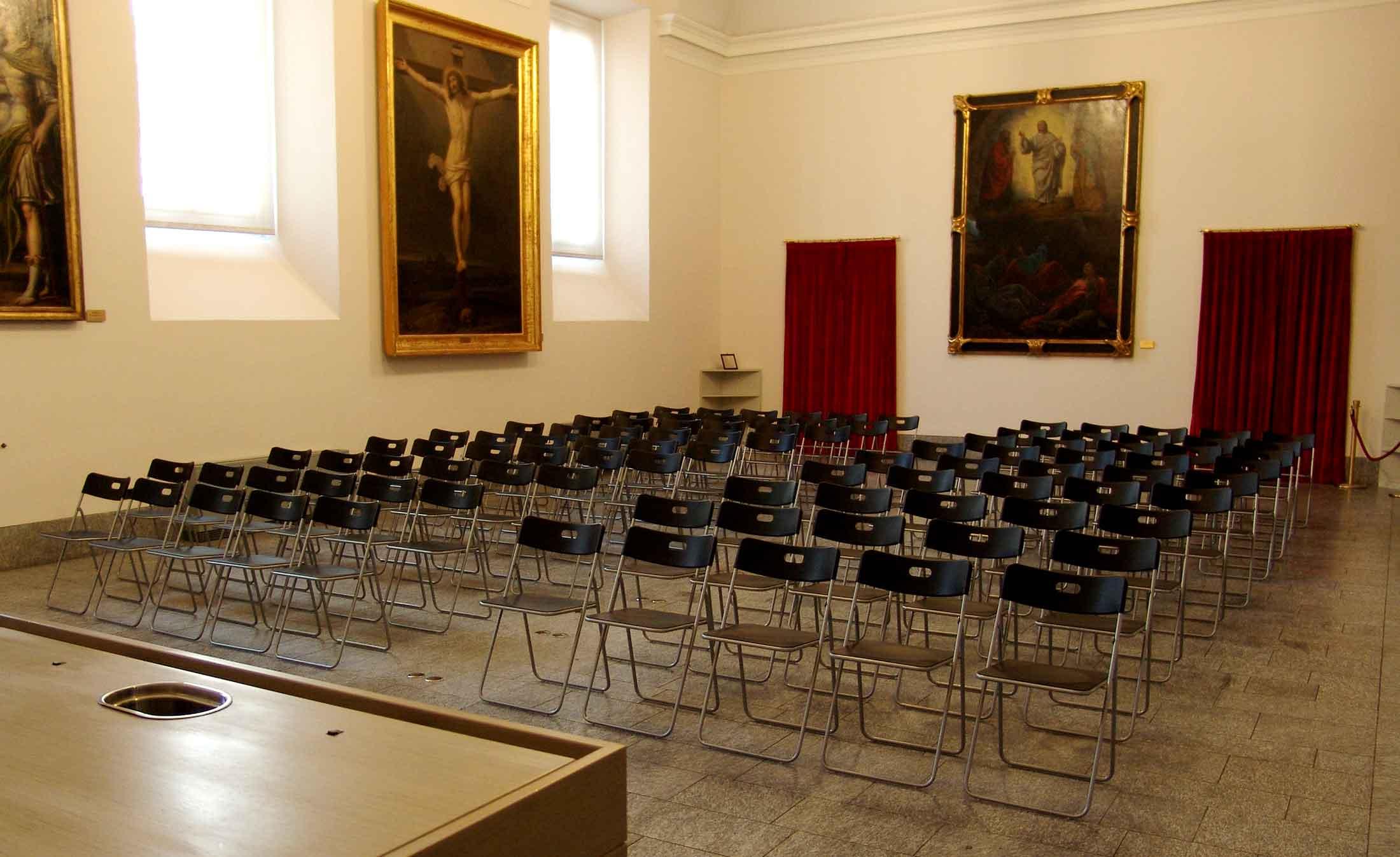 Dimensioni Sala Conferenze 100 Posti.Sale Per Eventi Convegni E Presentazioni Veneranda Biblioteca