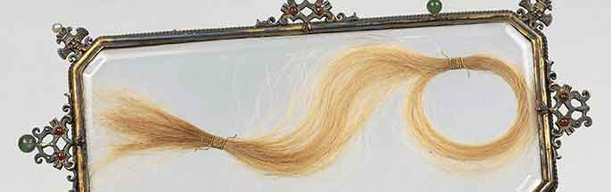 Display case with the hair of Lucrezia Borgia