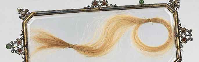 Teca con i capelli di Lucrezia Borgia