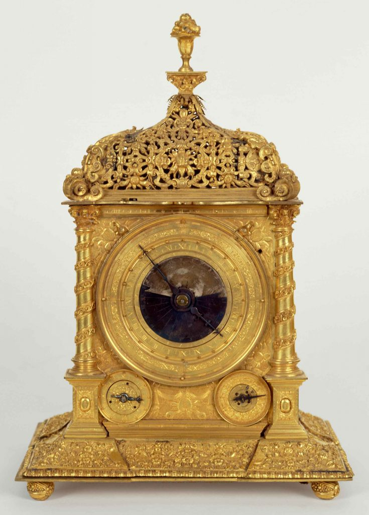 Clock with astrolabe