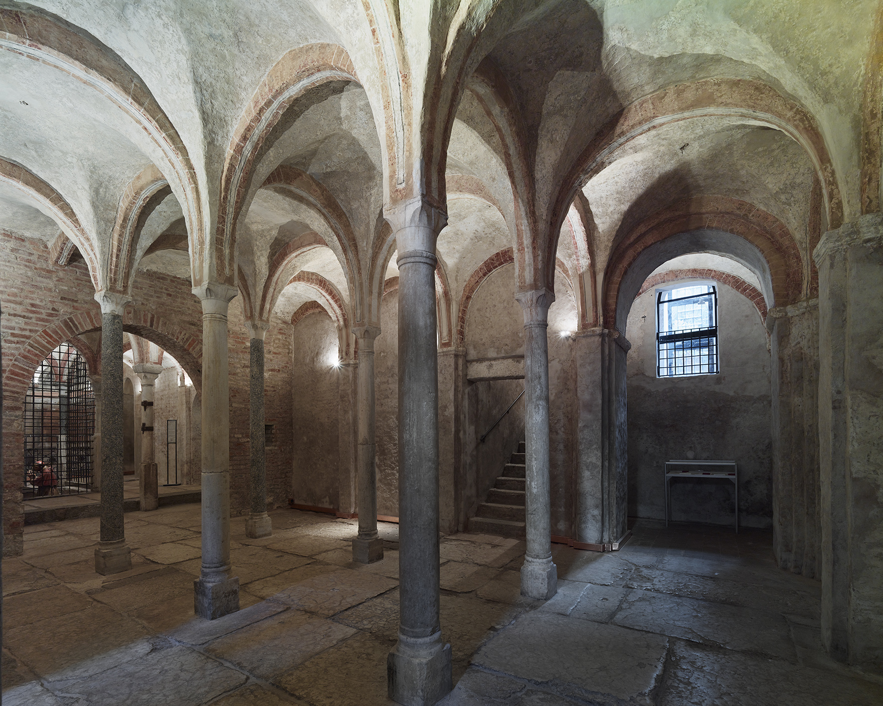 <p>The crypt of San Sepolcro</p>
